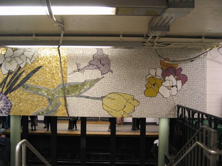 (88k, 909x682)<br><b>Country:</b> United States<br><b>City:</b> New York<br><b>System:</b> New York City Transit<br><b>Line:</b> IRT East Side Line<br><b>Location:</b> 77th Street<br><b>Photo by:</b> Robbie Rosenfeld<br><b>Date:</b> 9/2005<br><b>Artwork:</b> <i>4 Seasons Seasoned</i>, Robert Kushner, 2004<br><b>Viewed (this week/total):</b> 2 / 5532