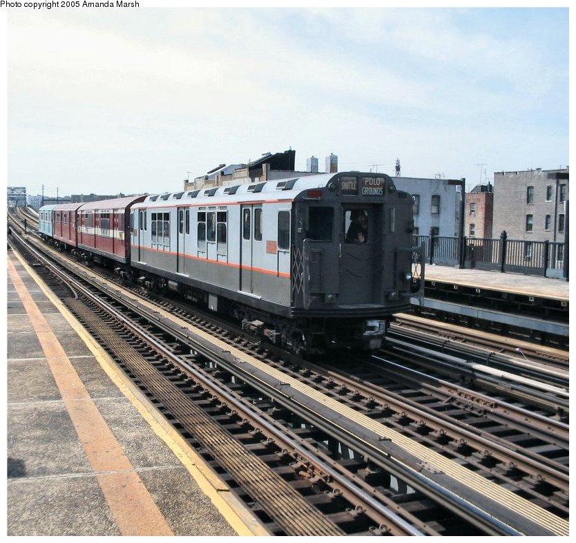 (150k, 834x786)<br><b>Country:</b> United States<br><b>City:</b> New York<br><b>System:</b> New York City Transit<br><b>Line:</b> IRT Pelham Line<br><b>Location:</b> Elder Avenue<br><b>Route:</b> Fan Trip<br><b>Car:</b> R-12 (American Car & Foundry, 1948) 5760 <br><b>Photo by:</b> Amanda Marsh<br><b>Date:</b> 4/17/2004<br><b>Viewed (this week/total):</b> 0 / 2905