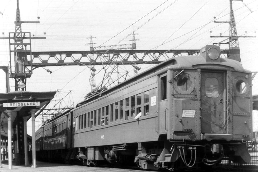 (226k, 1024x683)<br><b>Country:</b> United States<br><b>System:</b> Metro-North Railroad (or Amtrak or Predecessor RR)<br><b>Line:</b> Metro North-New Haven Line<br><b>Location:</b> Bridgeport<br><b>Car:</b>  445 <br><b>Collection of:</b> David Pirmann<br><b>Viewed (this week/total):</b> 1 / 3194