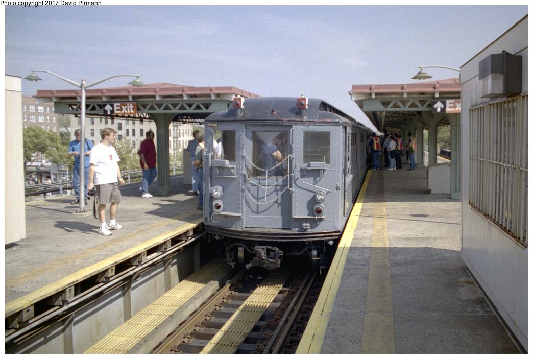 (386k, 1044x703)<br><b>Country:</b> United States<br><b>City:</b> New York<br><b>System:</b> New York City Transit<br><b>Line:</b> IRT Pelham Line<br><b>Location:</b> East 177th Street/Parkchester<br><b>Route:</b> Fan Trip<br><b>Car:</b> Low-V (Museum Train) 5443 <br><b>Photo by:</b> David Pirmann<br><b>Date:</b> 9/13/1998<br><b>Viewed (this week/total):</b> 3 / 2687