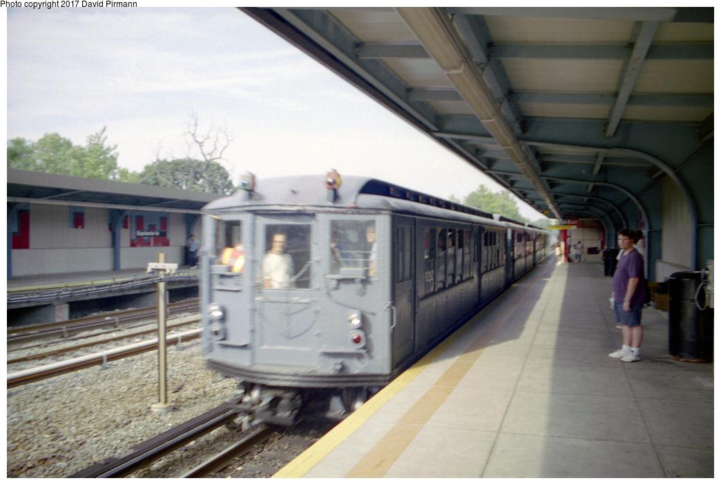 (325k, 1044x703)<br><b>Country:</b> United States<br><b>City:</b> New York<br><b>System:</b> New York City Transit<br><b>Line:</b> IRT Dyre Ave. Line<br><b>Location:</b> Baychester Avenue<br><b>Route:</b> Fan Trip<br><b>Car:</b> Low-V (Museum Train) 5292 <br><b>Photo by:</b> David Pirmann<br><b>Date:</b> 9/13/1998<br><b>Viewed (this week/total):</b> 0 / 2775