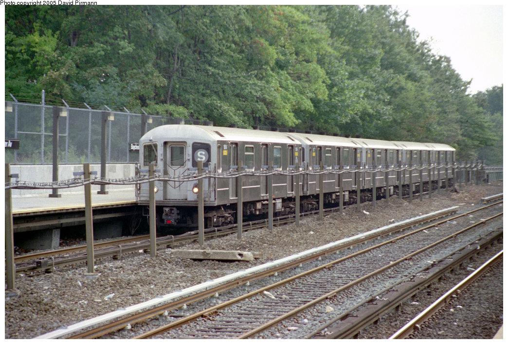 (260k, 1044x708)<br><b>Country:</b> United States<br><b>City:</b> New York<br><b>System:</b> New York City Transit<br><b>Line:</b> IRT Dyre Ave. Line<br><b>Location:</b> Baychester Avenue<br><b>Route:</b> S<br><b>Car:</b> R-62A (Bombardier, 1984-1987) 1896 <br><b>Photo by:</b> David Pirmann<br><b>Date:</b> 9/13/1998<br><b>Viewed (this week/total):</b> 2 / 5435