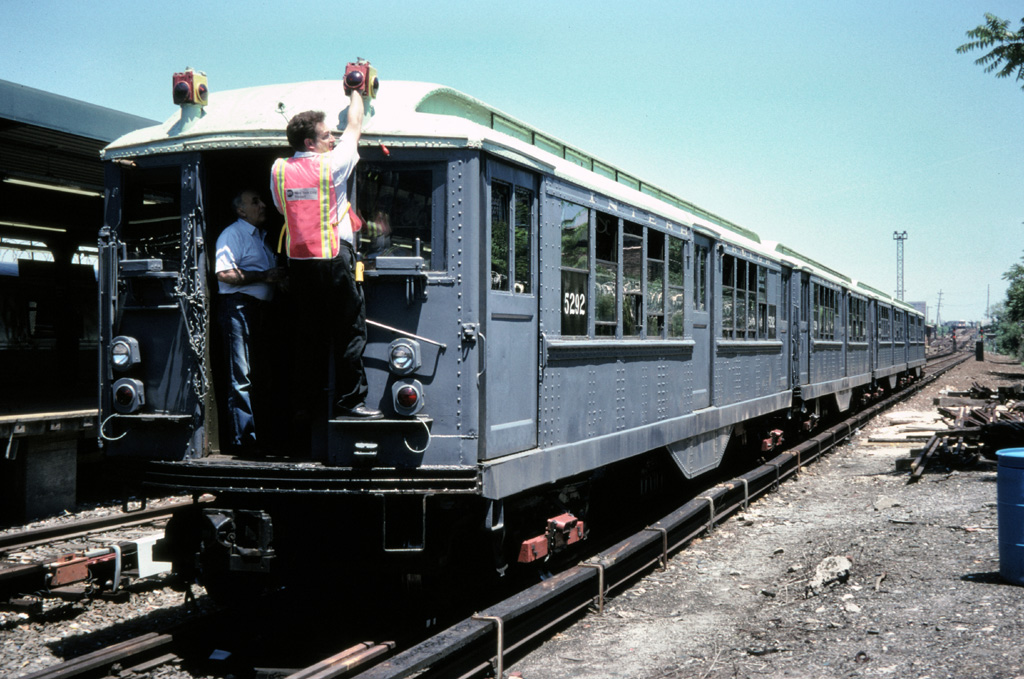 (275k, 1024x679)<br><b>Country:</b> United States<br><b>City:</b> New York<br><b>System:</b> New York City Transit<br><b>Line:</b> IND Rockaway Line<br><b>Location:</b> Rockaway Park/Beach 116th Street<br><b>Route:</b> Fan Trip<br><b>Car:</b> Low-V (Museum Train) 5292 <br><b>Photo by:</b> Chris Leverett<br><b>Date:</b> 7/6/1996<br><b>Viewed (this week/total):</b> 0 / 3460