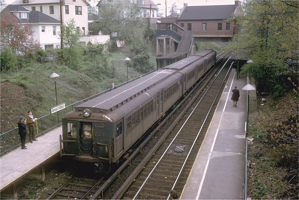 (292k, 1024x684)<br><b>Country:</b> United States<br><b>City:</b> New York<br><b>System:</b> New York City Transit<br><b>Line:</b> SIRT<br><b>Location:</b> Great Kills<br><b>Route:</b> Fan Trip<br><b>Car:</b> SIRT ME-1 (Motor) 346 <br><b>Photo by:</b> Joe Testagrose<br><b>Date:</b> 4/28/1973<br><b>Viewed (this week/total):</b> 0 / 4182