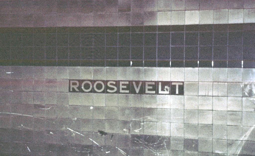 (422k, 1024x626)<br><b>Country:</b> United States<br><b>City:</b> New York<br><b>System:</b> New York City Transit<br><b>Line:</b> IND Queens Boulevard Line<br><b>Location:</b> Roosevelt Avenue Terminal Station<br><b>Photo by:</b> Chris Leverett<br><b>Date:</b> 3/23/1997<br><b>Viewed (this week/total):</b> 8 / 10805