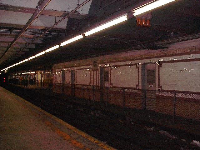 (92k, 640x480)<br><b>Country:</b> United States<br><b>City:</b> New York<br><b>System:</b> New York City Transit<br><b>Line:</b> IRT West Side Line<br><b>Location:</b> 96th Street<br><b>Photo by:</b> Bruce Fedow<br><b>Date:</b> 12/4/2005<br><b>Notes:</b> Disused platform area on northbound local side.<br><b>Viewed (this week/total):</b> 4 / 3768