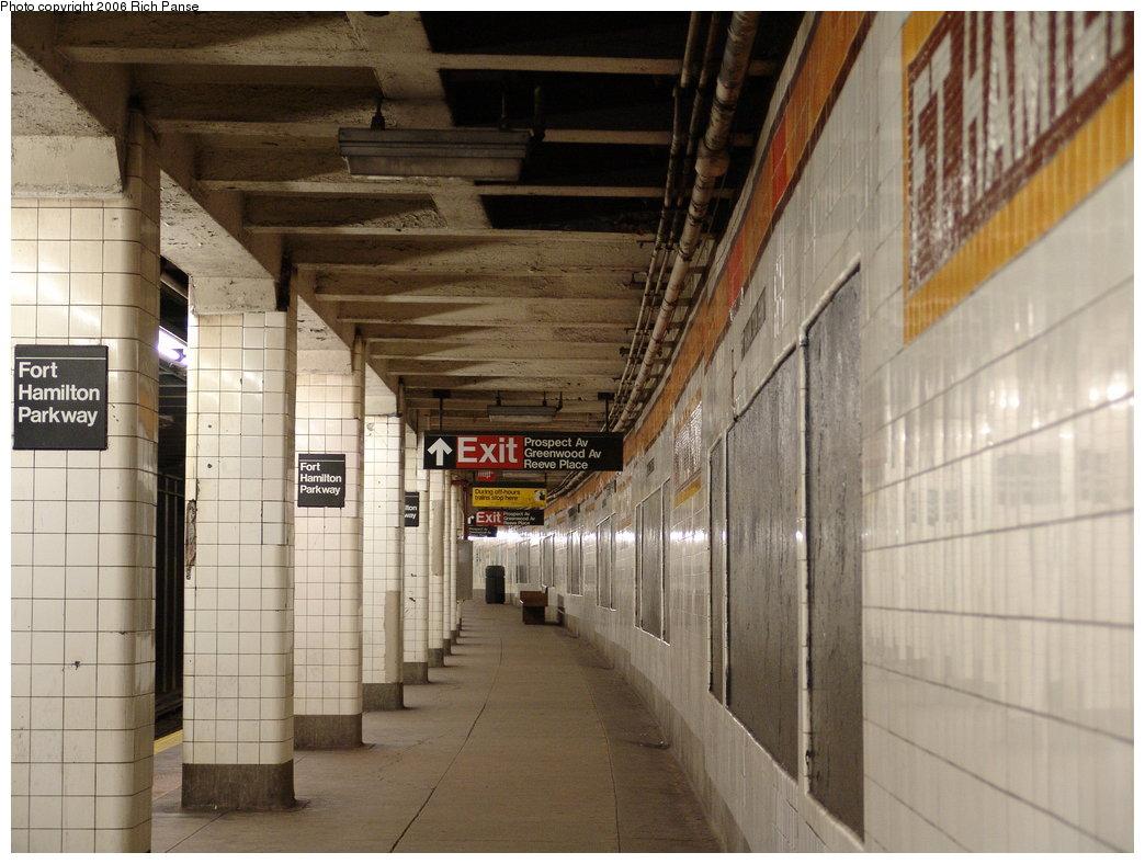 (180k, 1044x788)<br><b>Country:</b> United States<br><b>City:</b> New York<br><b>System:</b> New York City Transit<br><b>Line:</b> IND Crosstown Line<br><b>Location:</b> Fort Hamilton Parkway<br><b>Photo by:</b> Richard Panse<br><b>Date:</b> 12/30/2005<br><b>Viewed (this week/total):</b> 2 / 2996