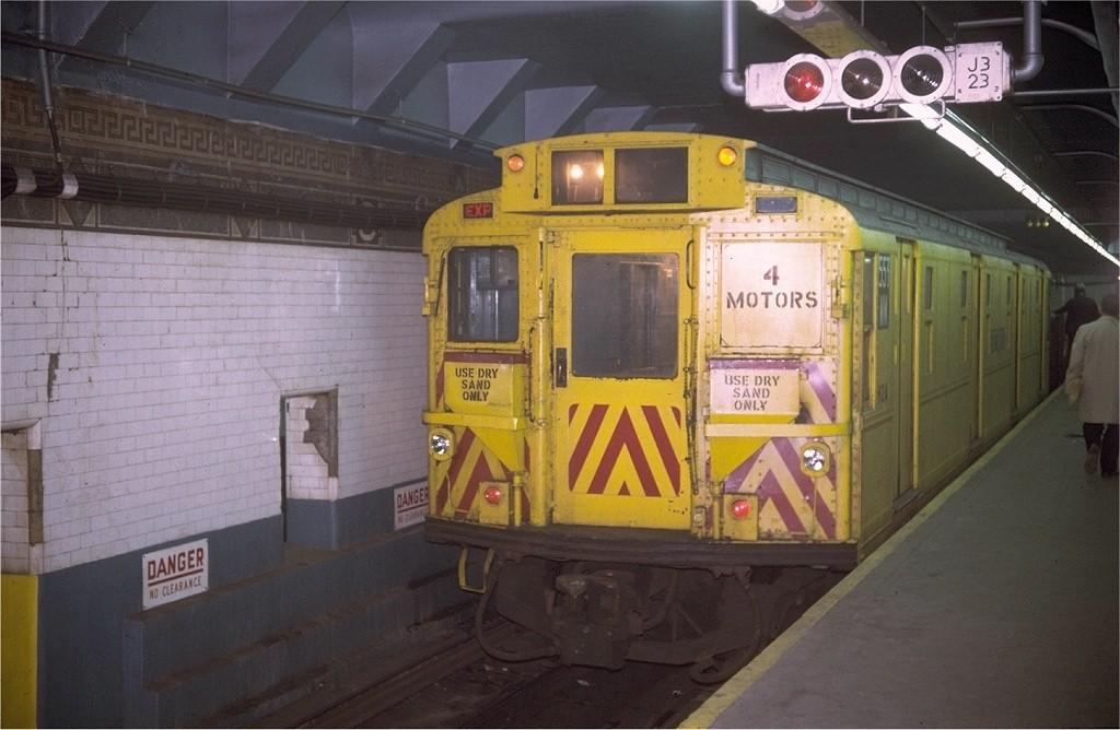 (165k, 1024x668)<br><b>Country:</b> United States<br><b>City:</b> New York<br><b>System:</b> New York City Transit<br><b>Line:</b> BMT Nassau Street-Jamaica Line<br><b>Location:</b> Canal Street<br><b>Route:</b> Work Service<br><b>Car:</b> R-4 (American Car & Foundry, 1932-1933) WM553 (ex-476)<br><b>Photo by:</b> Doug Grotjahn<br><b>Collection of:</b> Joe Testagrose<br><b>Date:</b> 11/3/1970<br><b>Viewed (this week/total):</b> 5 / 4725