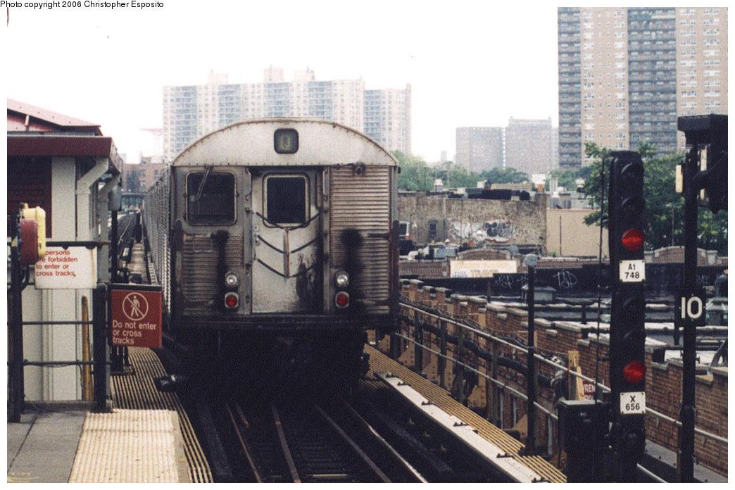 (183k, 1044x696)<br><b>Country:</b> United States<br><b>City:</b> New York<br><b>System:</b> New York City Transit<br><b>Line:</b> BMT Brighton Line<br><b>Location:</b> Brighton Beach<br><b>Route:</b> Q<br><b>Car:</b> R-32 (Budd, 1964)  <br><b>Photo by:</b> Christopher Esposito<br><b>Date:</b> 7/18/2004<br><b>Viewed (this week/total):</b> 11 / 4098