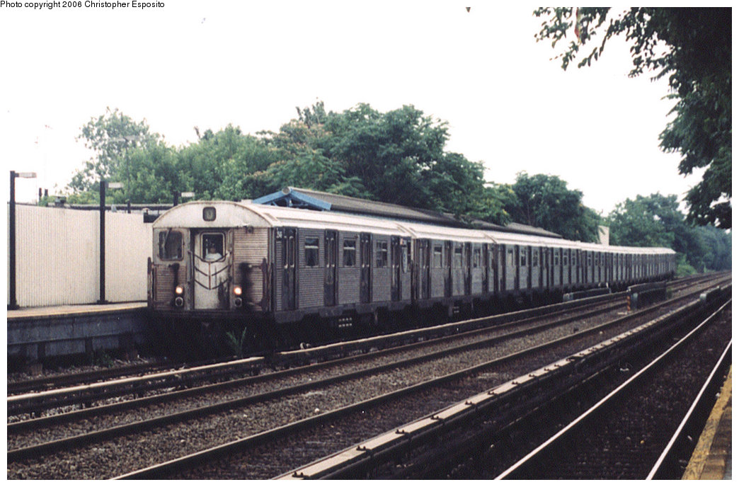 (180k, 1044x688)<br><b>Country:</b> United States<br><b>City:</b> New York<br><b>System:</b> New York City Transit<br><b>Line:</b> BMT Brighton Line<br><b>Location:</b> Avenue J<br><b>Route:</b> Q<br><b>Car:</b> R-32 (Budd, 1964)  <br><b>Photo by:</b> Christopher Esposito<br><b>Date:</b> 7/18/2004<br><b>Viewed (this week/total):</b> 3 / 4447
