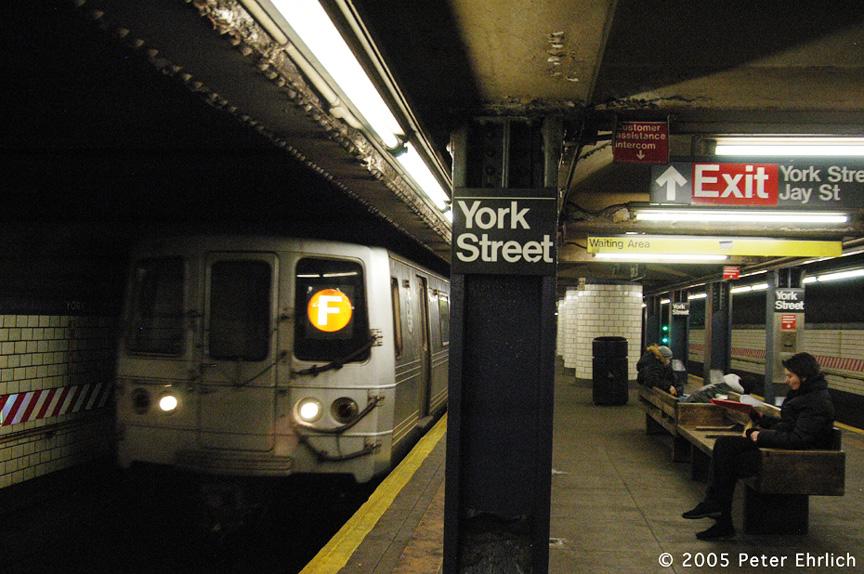 (258k, 864x574)<br><b>Country:</b> United States<br><b>City:</b> New York<br><b>System:</b> New York City Transit<br><b>Line:</b> IND 6th Avenue Line<br><b>Location:</b> York Street<br><b>Route:</b> F<br><b>Car:</b> R-46 (Pullman-Standard, 1974-75) 5880 <br><b>Photo by:</b> Peter Ehrlich<br><b>Date:</b> 12/30/2005<br><b>Viewed (this week/total):</b> 0 / 4915