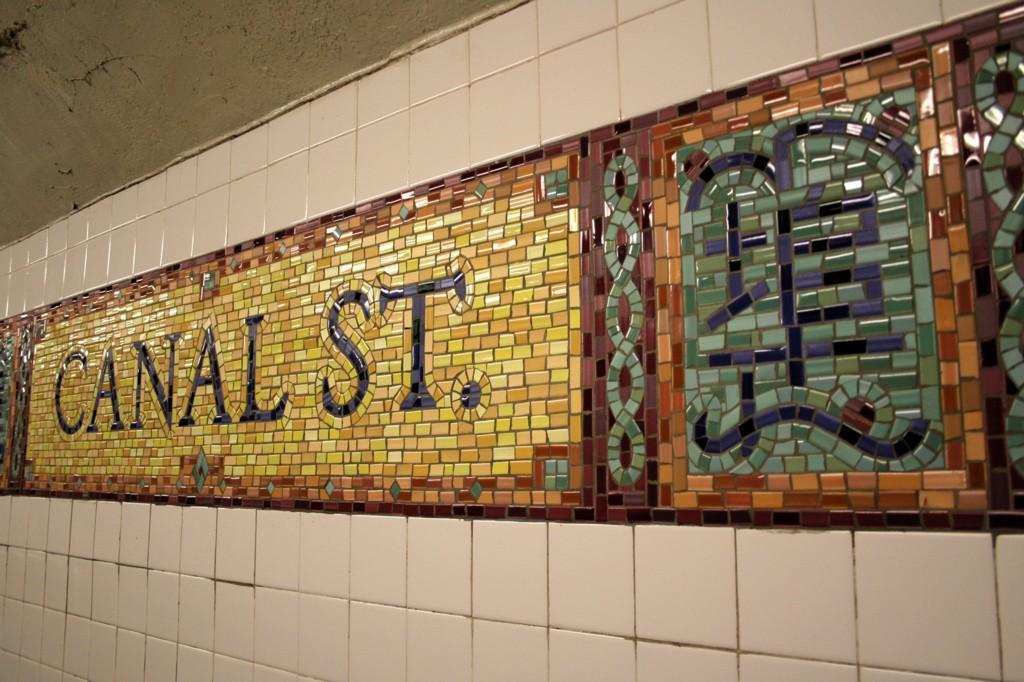 (205k, 1024x682)<br><b>Country:</b> United States<br><b>City:</b> New York<br><b>System:</b> New York City Transit<br><b>Line:</b> BMT Broadway Line<br><b>Location:</b> Canal Street (Manhattan Bridge Branch)<br><b>Photo by:</b> Todd Glickman<br><b>Date:</b> 4/16/2006<br><b>Viewed (this week/total):</b> 1 / 6528