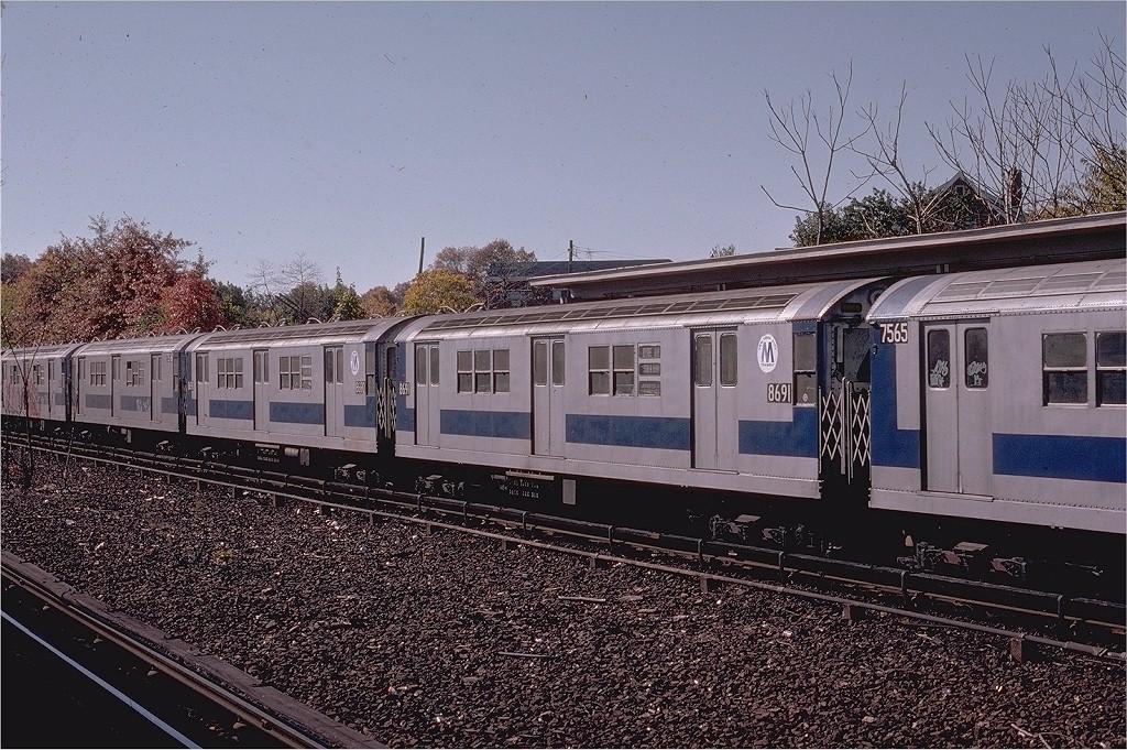 (267k, 1024x681)<br><b>Country:</b> United States<br><b>City:</b> New York<br><b>System:</b> New York City Transit<br><b>Line:</b> IRT Dyre Ave. Line<br><b>Location:</b> Baychester Avenue<br><b>Route:</b> 5<br><b>Car:</b> R-29 (St. Louis, 1962) 8691 <br><b>Photo by:</b> Joe Testagrose<br><b>Date:</b> 10/27/1974<br><b>Viewed (this week/total):</b> 0 / 3008