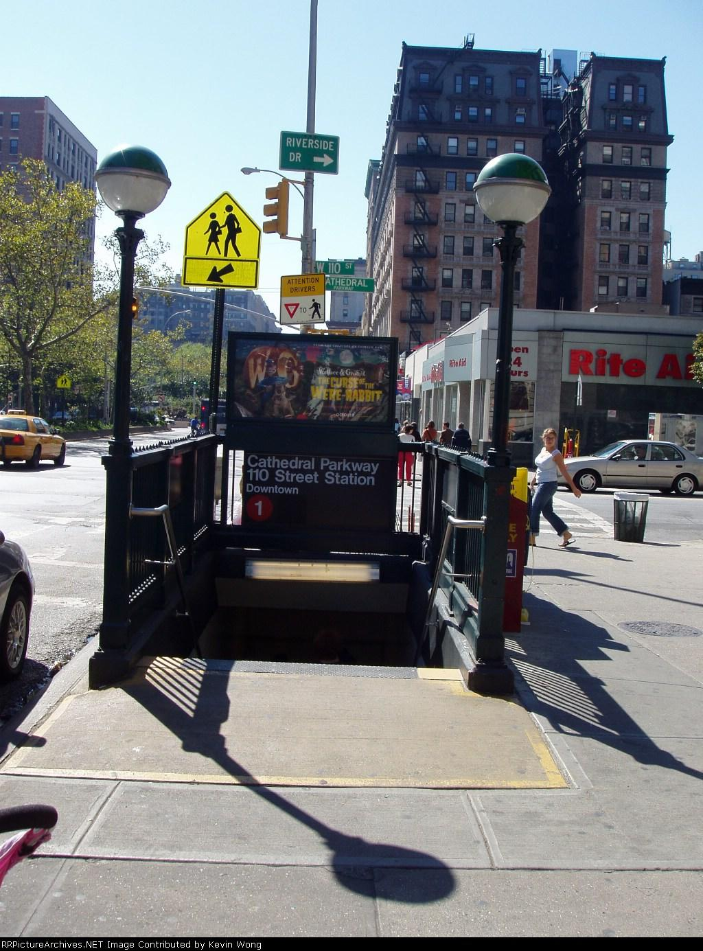 (216k, 1024x1385)<br><b>Country:</b> United States<br><b>City:</b> New York<br><b>System:</b> New York City Transit<br><b>Line:</b> IRT West Side Line<br><b>Location:</b> 110th Street<br><b>Photo by:</b> Kevin Wong<br><b>Date:</b> 10/2/2005<br><b>Notes:</b> Station entrance.<br><b>Viewed (this week/total):</b> 3 / 6341