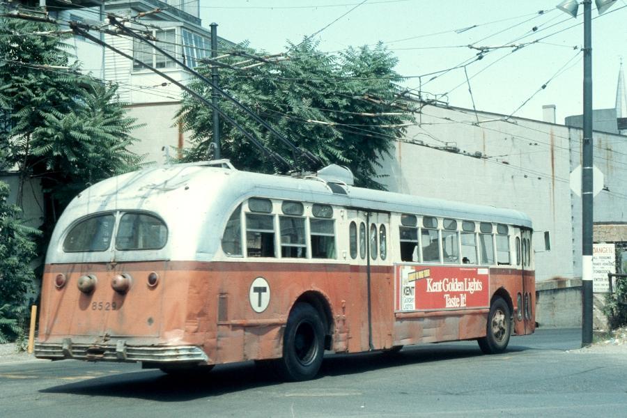 (101k, 900x600)<br><b>Country:</b> United States<br><b>City:</b> Boston, MA<br><b>System:</b> MBTA Boston<br><b>Line:</b> MBTA Trolleybus (71,72,73)<br><b>Location:</b> Harvard Square<br><b>Car:</b> MBTA Trolleybus 8529 <br><b>Photo by:</b> Harv Kahn<br><b>Date:</b> 7/10/1976<br><b>Viewed (this week/total):</b> 5 / 1553