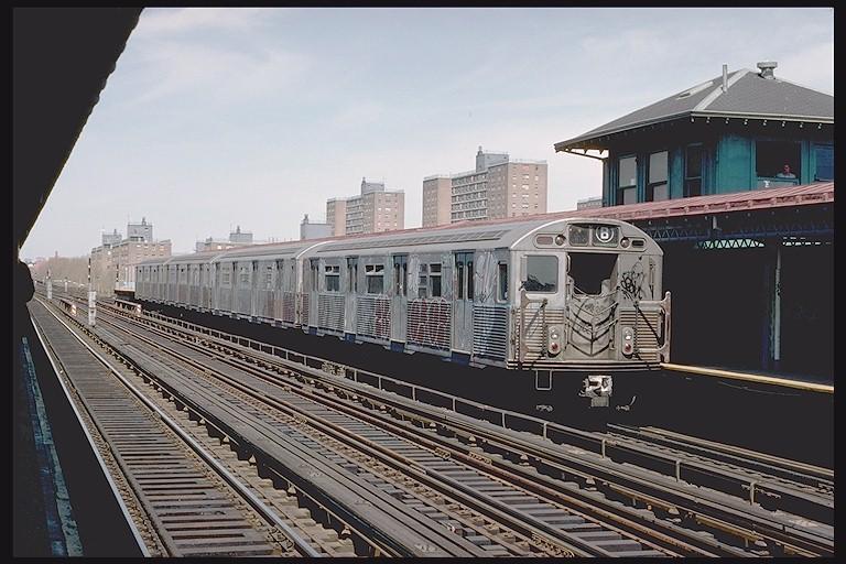 (128k, 768x512)<br><b>Country:</b> United States<br><b>City:</b> New York<br><b>System:</b> New York City Transit<br><b>Line:</b> BMT West End Line<br><b>Location:</b> Bay 50th Street<br><b>Route:</b> B<br><b>Car:</b> R-38 (St. Louis, 1966-1967) 3970 <br><b>Photo by:</b> Joe Testagrose<br><b>Date:</b> 4/16/1977<br><b>Viewed (this week/total):</b> 1 / 5565