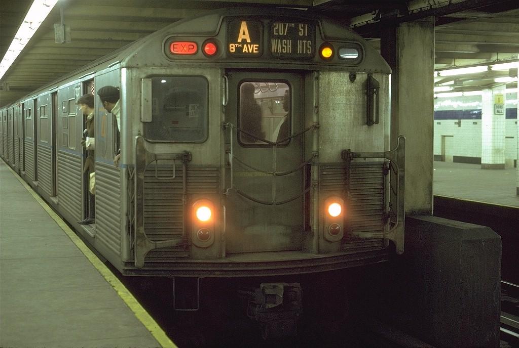 (204k, 1024x688)<br><b>Country:</b> United States<br><b>City:</b> New York<br><b>System:</b> New York City Transit<br><b>Line:</b> IND 8th Avenue Line<br><b>Location:</b> Jay St./Metrotech (Borough Hall)<br><b>Route:</b> A<br><b>Car:</b> R-38 (St. Louis, 1966-1967) 3980 <br><b>Photo by:</b> Joe Testagrose<br><b>Date:</b> 6/27/1972<br><b>Viewed (this week/total):</b> 0 / 7327
