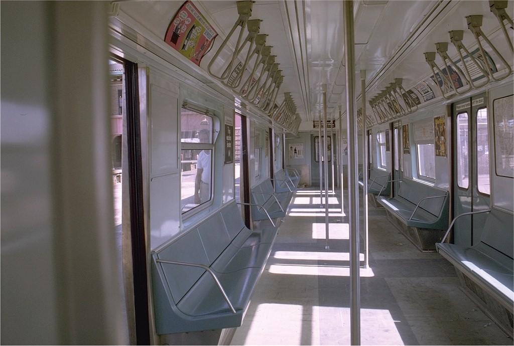 (172k, 1024x690)<br><b>Country:</b> United States<br><b>City:</b> New York<br><b>System:</b> New York City Transit<br><b>Car:</b> R-42 (St. Louis, 1969-1970) 4635 <br><b>Photo by:</b> Joe Testagrose<br><b>Date:</b> 6/29/1969<br><b>Viewed (this week/total):</b> 8 / 16215