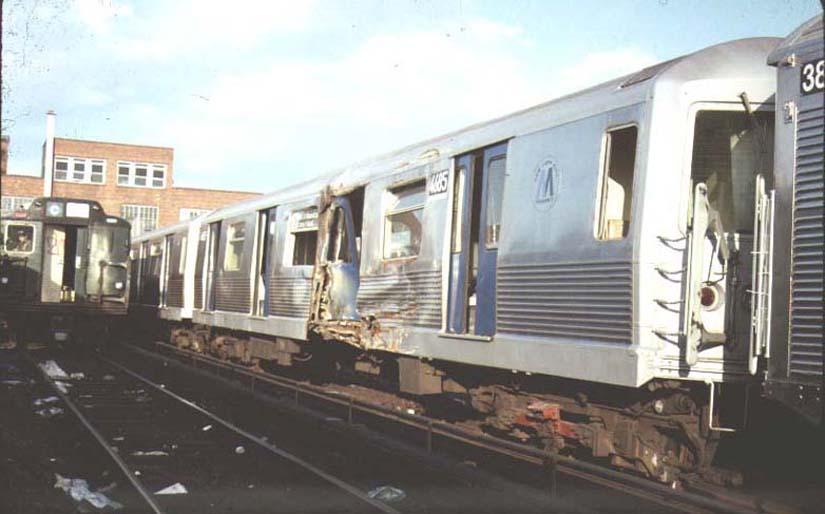 (56k, 825x514)<br><b>Country:</b> United States<br><b>City:</b> New York<br><b>System:</b> New York City Transit<br><b>Location:</b> 207th Street Yard<br><b>Car:</b> R-42 (St. Louis, 1969-1970) 4685 <br><b>Photo by:</b> Harold<br><b>Date:</b> 1986<br><b>Viewed (this week/total):</b> 4 / 15161