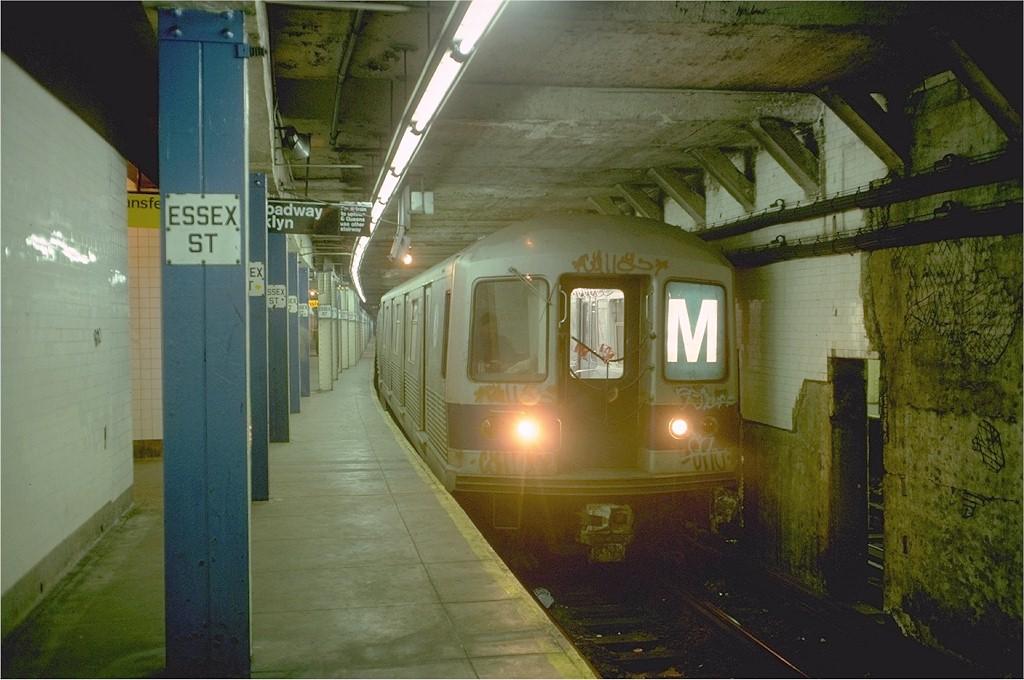 (178k, 1024x680)<br><b>Country:</b> United States<br><b>City:</b> New York<br><b>System:</b> New York City Transit<br><b>Line:</b> BMT Nassau Street-Jamaica Line<br><b>Location:</b> Essex Street<br><b>Route:</b> M<br><b>Car:</b> R-42 (St. Louis, 1969-1970) 4902 <br><b>Photo by:</b> Doug Grotjahn<br><b>Collection of:</b> Joe Testagrose<br><b>Date:</b> 1/3/1977<br><b>Viewed (this week/total):</b> 0 / 7333