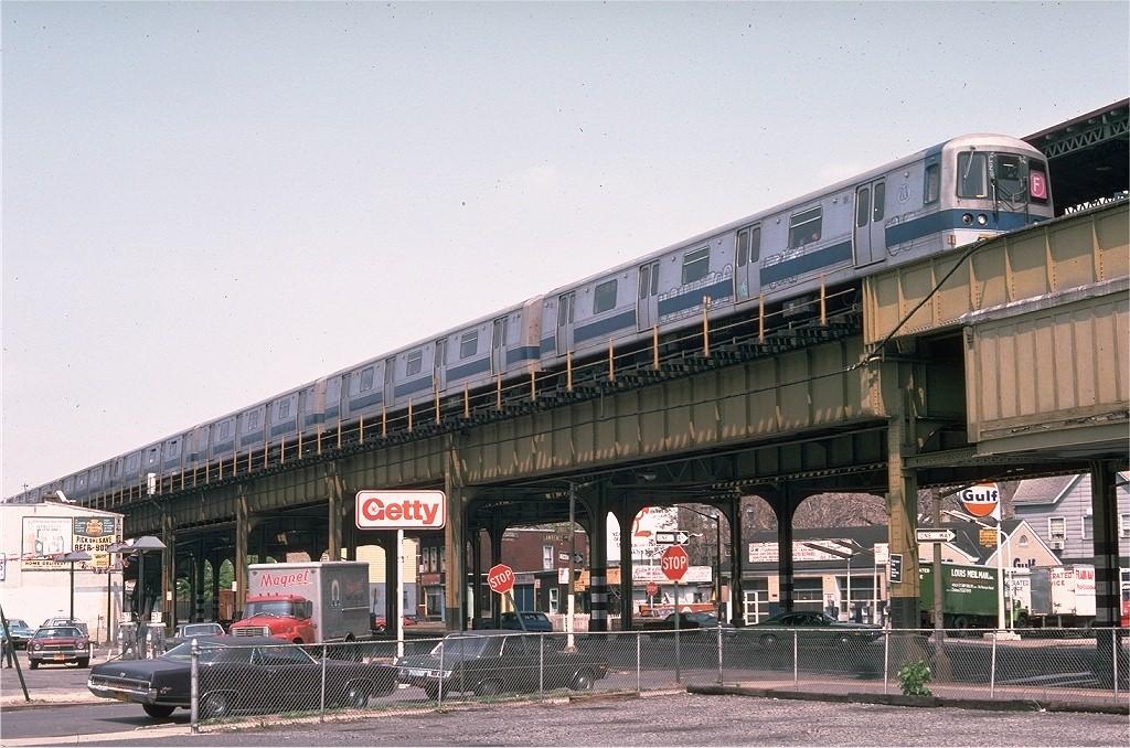 (232k, 1024x678)<br><b>Country:</b> United States<br><b>City:</b> New York<br><b>System:</b> New York City Transit<br><b>Line:</b> BMT Culver Line<br><b>Location:</b> 18th Avenue<br><b>Route:</b> F<br><b>Car:</b> R-44 (St. Louis, 1971-73) 124 <br><b>Photo by:</b> Doug Grotjahn<br><b>Collection of:</b> Joe Testagrose<br><b>Date:</b> 5/2/1976<br><b>Viewed (this week/total):</b> 2 / 7844