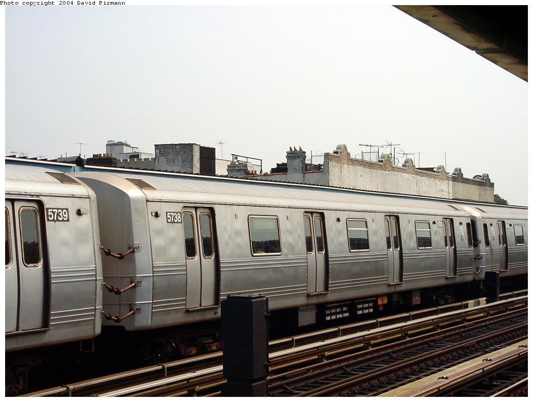 (114k, 1044x788)<br><b>Country:</b> United States<br><b>City:</b> New York<br><b>System:</b> New York City Transit<br><b>Line:</b> BMT Culver Line<br><b>Location:</b> Ditmas Avenue<br><b>Route:</b> F<br><b>Car:</b> R-46 (Pullman-Standard, 1974-75) 5738 <br><b>Photo by:</b> David Pirmann<br><b>Date:</b> 8/27/2000<br><b>Viewed (this week/total):</b> 0 / 3504