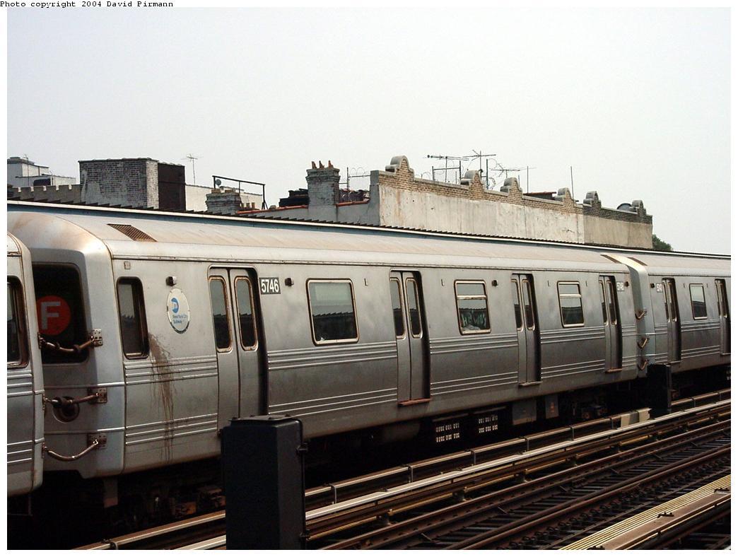 (120k, 1044x788)<br><b>Country:</b> United States<br><b>City:</b> New York<br><b>System:</b> New York City Transit<br><b>Line:</b> BMT Culver Line<br><b>Location:</b> Ditmas Avenue<br><b>Route:</b> F<br><b>Car:</b> R-46 (Pullman-Standard, 1974-75) 5746 <br><b>Photo by:</b> David Pirmann<br><b>Date:</b> 8/27/2000<br><b>Viewed (this week/total):</b> 0 / 3489