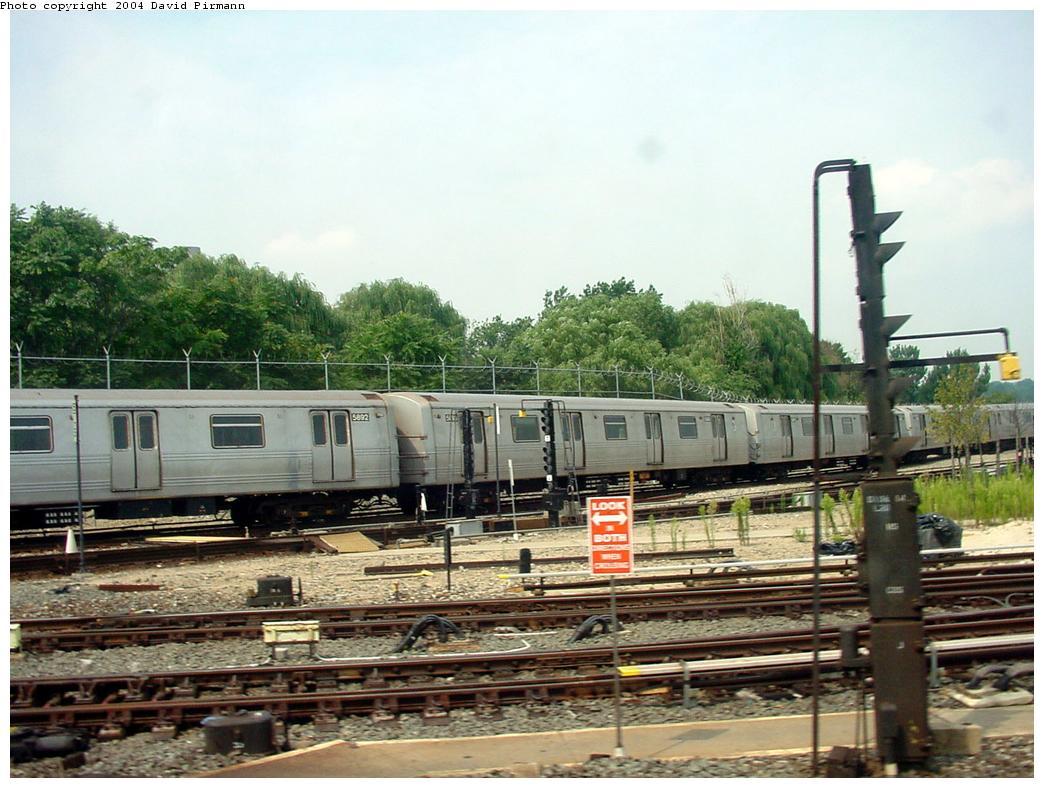 (140k, 1044x788)<br><b>Country:</b> United States<br><b>City:</b> New York<br><b>System:</b> New York City Transit<br><b>Location:</b> Jamaica Yard/Shops<br><b>Car:</b> R-46 (Pullman-Standard, 1974-75) 5892 <br><b>Photo by:</b> David Pirmann<br><b>Date:</b> 8/27/2000<br><b>Viewed (this week/total):</b> 0 / 5329