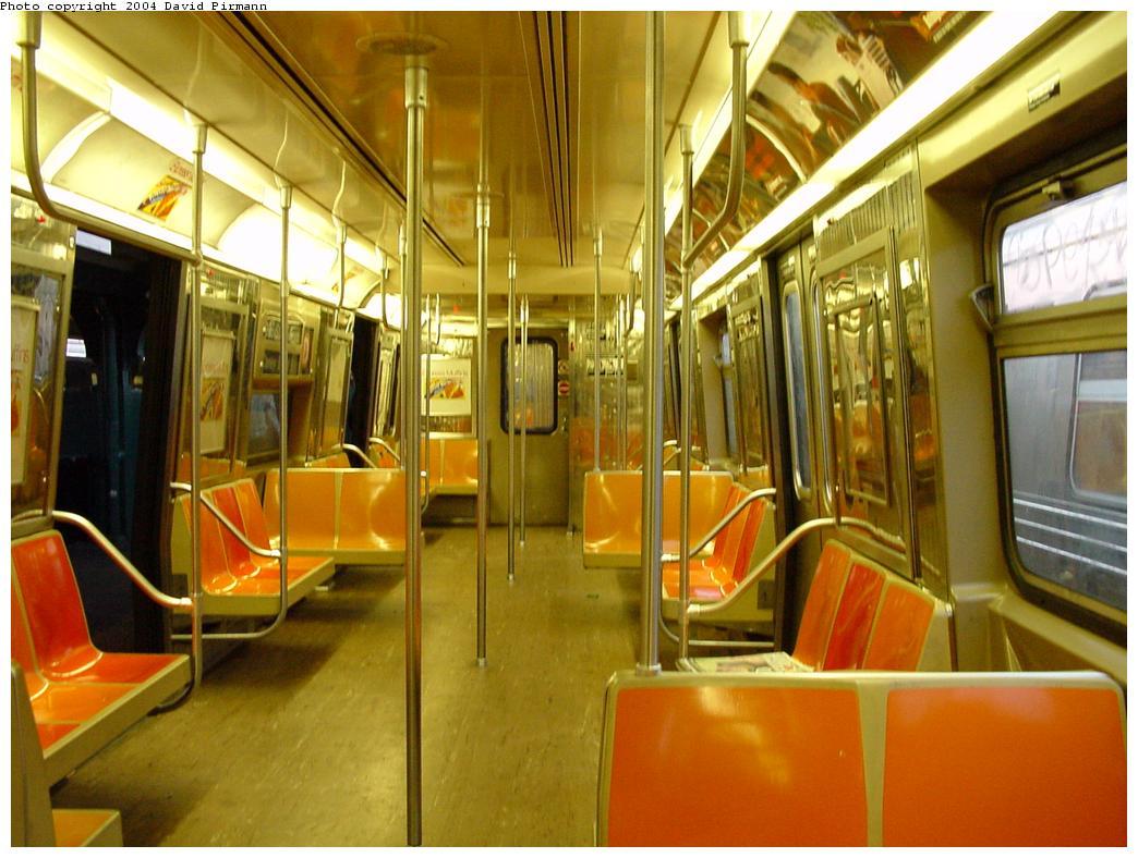 (129k, 1044x788)<br><b>Country:</b> United States<br><b>City:</b> New York<br><b>System:</b> New York City Transit<br><b>Route:</b> D<br><b>Car:</b> R-68 (Westinghouse-Amrail, 1986-1988) Interior <br><b>Photo by:</b> David Pirmann<br><b>Date:</b> 5/17/2000<br><b>Viewed (this week/total):</b> 9 / 17118