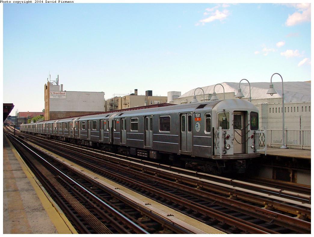 (118k, 1044x788)<br><b>Country:</b> United States<br><b>City:</b> New York<br><b>System:</b> New York City Transit<br><b>Line:</b> IRT Woodlawn Line<br><b>Location:</b> 183rd Street<br><b>Route:</b> 4<br><b>Car:</b> R-62 (Kawasaki, 1983-1985) 1591 <br><b>Photo by:</b> David Pirmann<br><b>Date:</b> 7/12/2001<br><b>Viewed (this week/total):</b> 2 / 3959