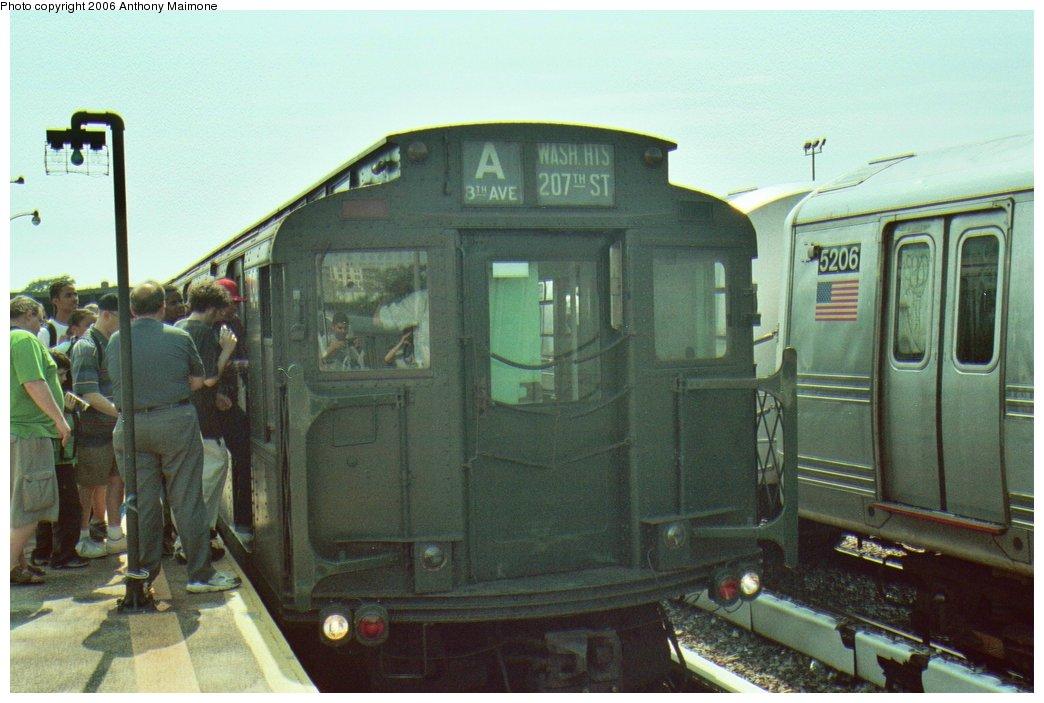 (140k, 1044x703)<br><b>Country:</b> United States<br><b>City:</b> New York<br><b>System:</b> New York City Transit<br><b>Line:</b> IND Rockaway Line<br><b>Location:</b> Rockaway Park/Beach 116th Street<br><b>Route:</b> Fan Trip<br><b>Car:</b> R-4 (American Car & Foundry, 1932-1933) 484 <br><b>Photo by:</b> Anthony Maimone<br><b>Date:</b> 6/17/2006<br><b>Viewed (this week/total):</b> 0 / 3112
