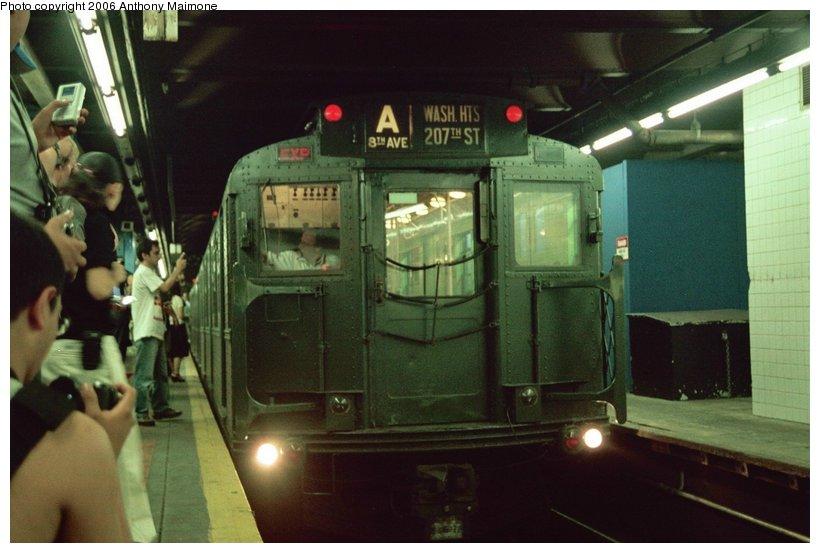 (92k, 820x553)<br><b>Country:</b> United States<br><b>City:</b> New York<br><b>System:</b> New York City Transit<br><b>Line:</b> IND 8th Avenue Line<br><b>Location:</b> 59th Street/Columbus Circle<br><b>Route:</b> Fan Trip<br><b>Car:</b> R-4 (American Car & Foundry, 1932-1933) 484 <br><b>Photo by:</b> Anthony Maimone<br><b>Date:</b> 6/17/2006<br><b>Viewed (this week/total):</b> 2 / 3864