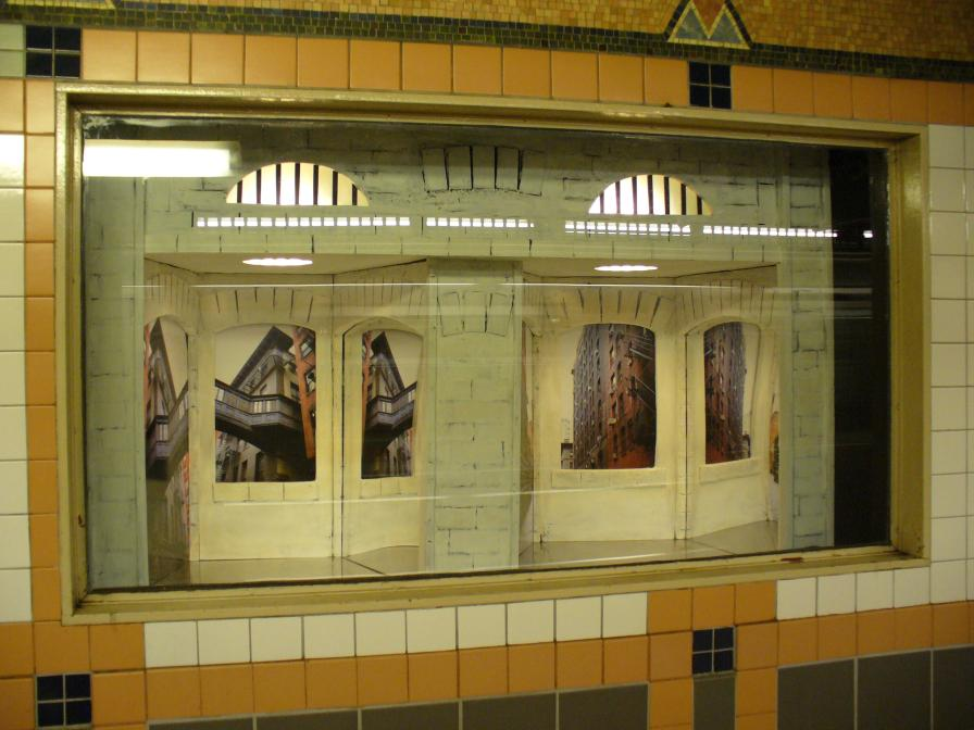 (100k, 896x672)<br><b>Country:</b> United States<br><b>City:</b> New York<br><b>System:</b> New York City Transit<br><b>Line:</b> IRT West Side Line<br><b>Location:</b> Franklin Street<br><b>Photo by:</b> Robbie Rosenfeld<br><b>Date:</b> 6/16/2006<br><b>Artwork:</b> <i>Alleyways, Tribeca</i>, Susan Leopold, 2005<br><b>Viewed (this week/total):</b> 0 / 5960