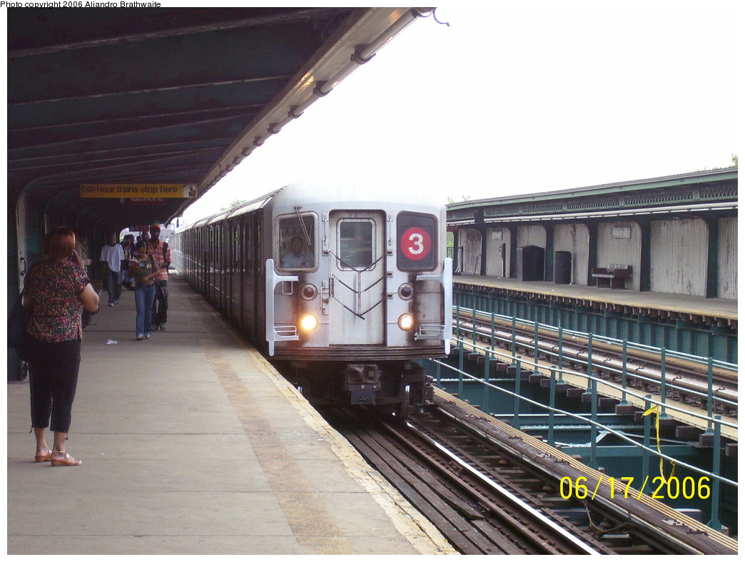 (177k, 1044x788)<br><b>Country:</b> United States<br><b>City:</b> New York<br><b>System:</b> New York City Transit<br><b>Line:</b> IRT Brooklyn Line<br><b>Location:</b> Van Siclen Avenue<br><b>Route:</b> 3<br><b>Car:</b> R-62 (Kawasaki, 1983-1985) 1301 <br><b>Photo by:</b> Aliandro Brathwaite<br><b>Date:</b> 6/17/2006<br><b>Viewed (this week/total):</b> 0 / 6775