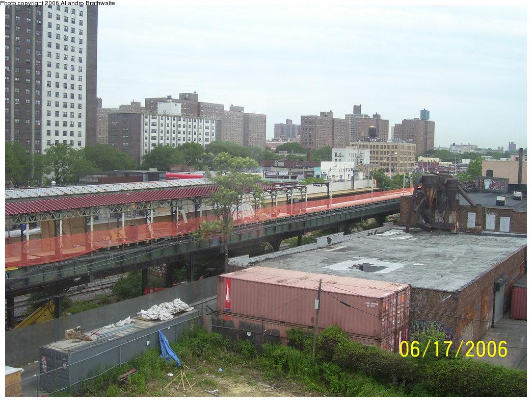 (211k, 1044x788)<br><b>Country:</b> United States<br><b>City:</b> New York<br><b>System:</b> New York City Transit<br><b>Line:</b> BMT Canarsie Line<br><b>Location:</b> Livonia Avenue<br><b>Photo by:</b> Aliandro Brathwaite<br><b>Date:</b> 6/17/2006<br><b>Notes:</b> Livonia Ave. station rehabilitation.<br><b>Viewed (this week/total):</b> 0 / 3638
