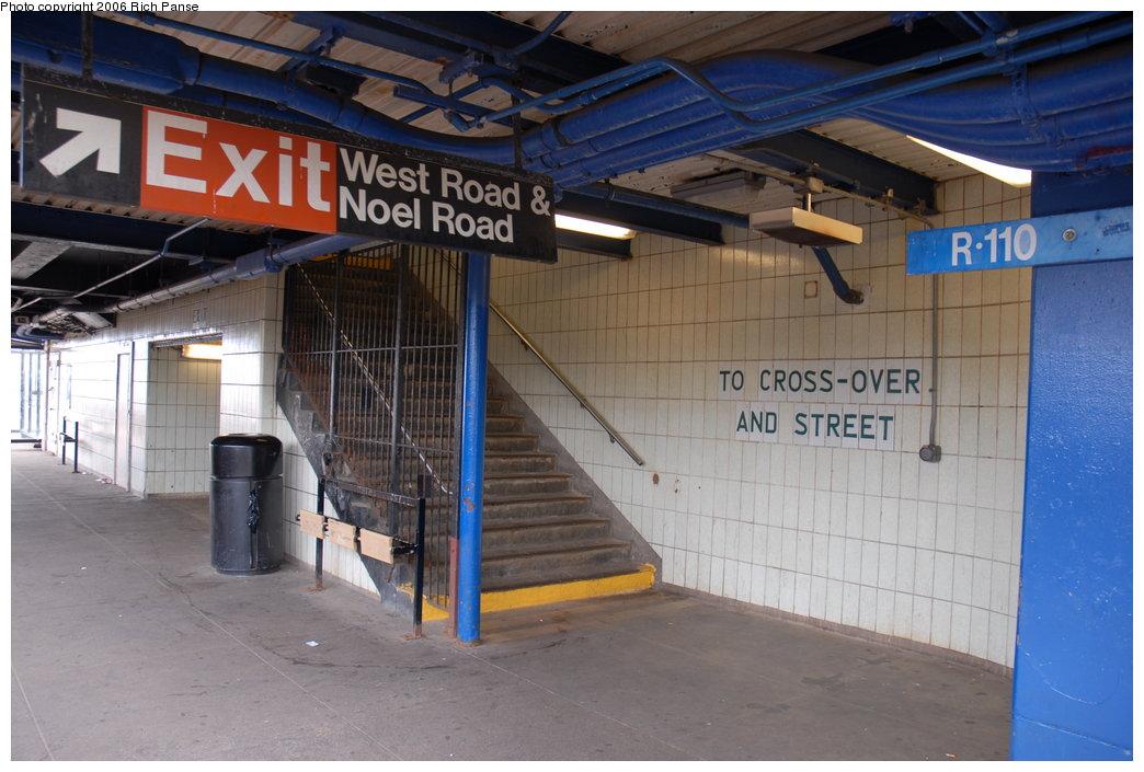 (184k, 1044x705)<br><b>Country:</b> United States<br><b>City:</b> New York<br><b>System:</b> New York City Transit<br><b>Line:</b> IND Rockaway Line<br><b>Location:</b> Broad Channel<br><b>Photo by:</b> Richard Panse<br><b>Date:</b> 6/17/2006<br><b>Notes:</b> Stairway to exit.<br><b>Viewed (this week/total):</b> 0 / 2664