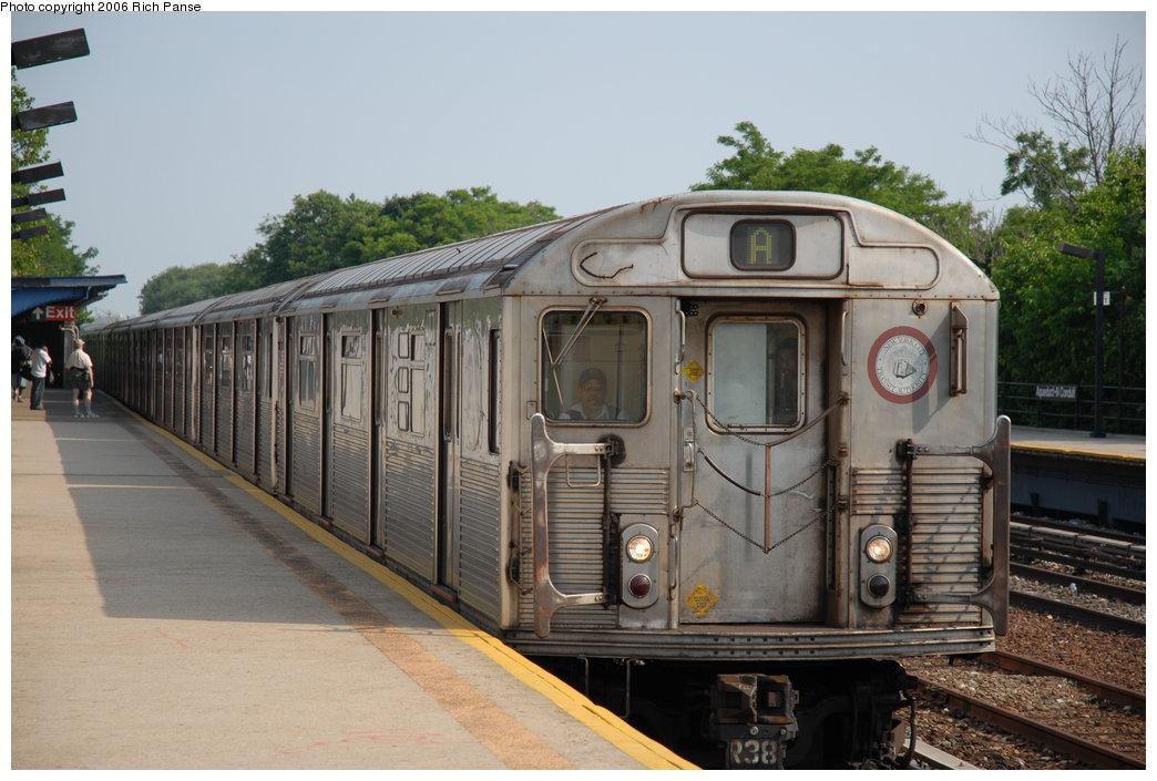(187k, 1044x705)<br><b>Country:</b> United States<br><b>City:</b> New York<br><b>System:</b> New York City Transit<br><b>Line:</b> IND Rockaway Line<br><b>Location:</b> Aqueduct/North Conduit Avenue<br><b>Route:</b> A<br><b>Car:</b> R-38 (St. Louis, 1966-1967) 4071 <br><b>Photo by:</b> Richard Panse<br><b>Date:</b> 6/17/2006<br><b>Viewed (this week/total):</b> 1 / 4756