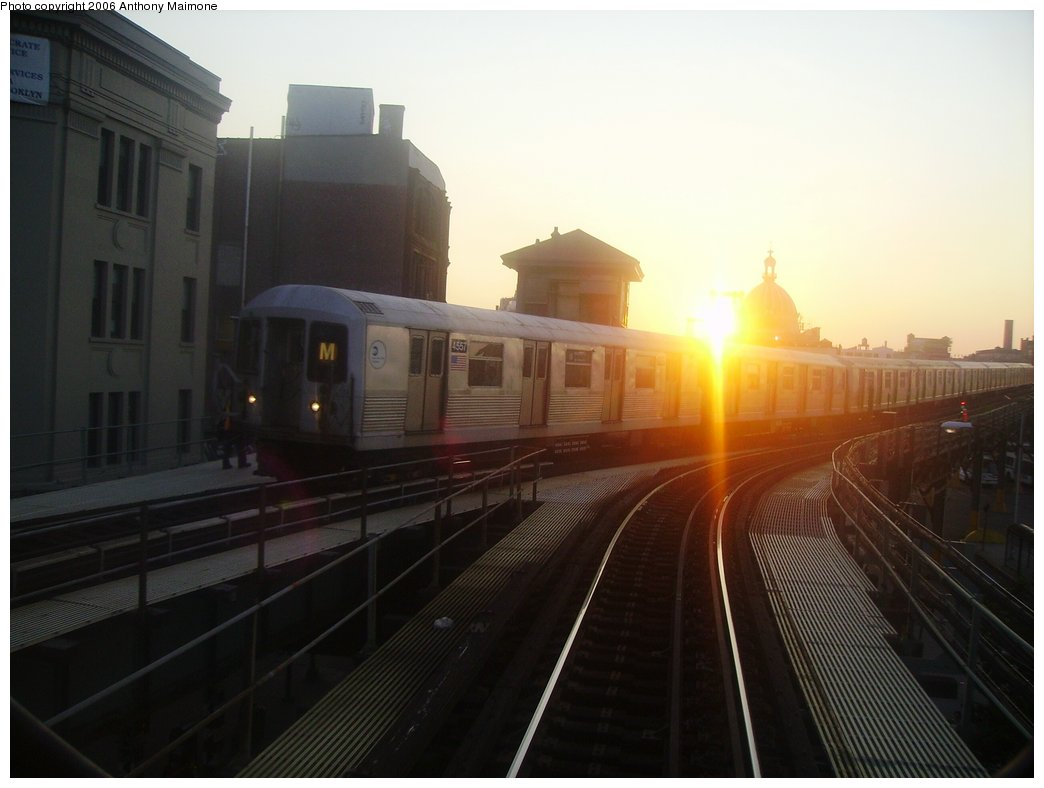 (112k, 1044x788)<br><b>Country:</b> United States<br><b>City:</b> New York<br><b>System:</b> New York City Transit<br><b>Line:</b> BMT Nassau Street-Jamaica Line<br><b>Location:</b> Marcy Avenue<br><b>Route:</b> M<br><b>Car:</b> R-42 (St. Louis, 1969-1970)  <br><b>Photo by:</b> Anthony Maimone<br><b>Date:</b> 7/17/2006<br><b>Viewed (this week/total):</b> 0 / 3075