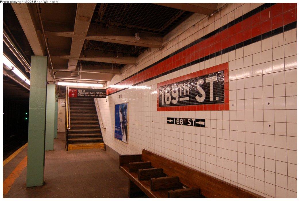 (198k, 1044x700)<br><b>Country:</b> United States<br><b>City:</b> New York<br><b>System:</b> New York City Transit<br><b>Line:</b> IND Queens Boulevard Line<br><b>Location:</b> 169th Street<br><b>Photo by:</b> Brian Weinberg<br><b>Date:</b> 7/16/2006<br><b>Viewed (this week/total):</b> 3 / 3839