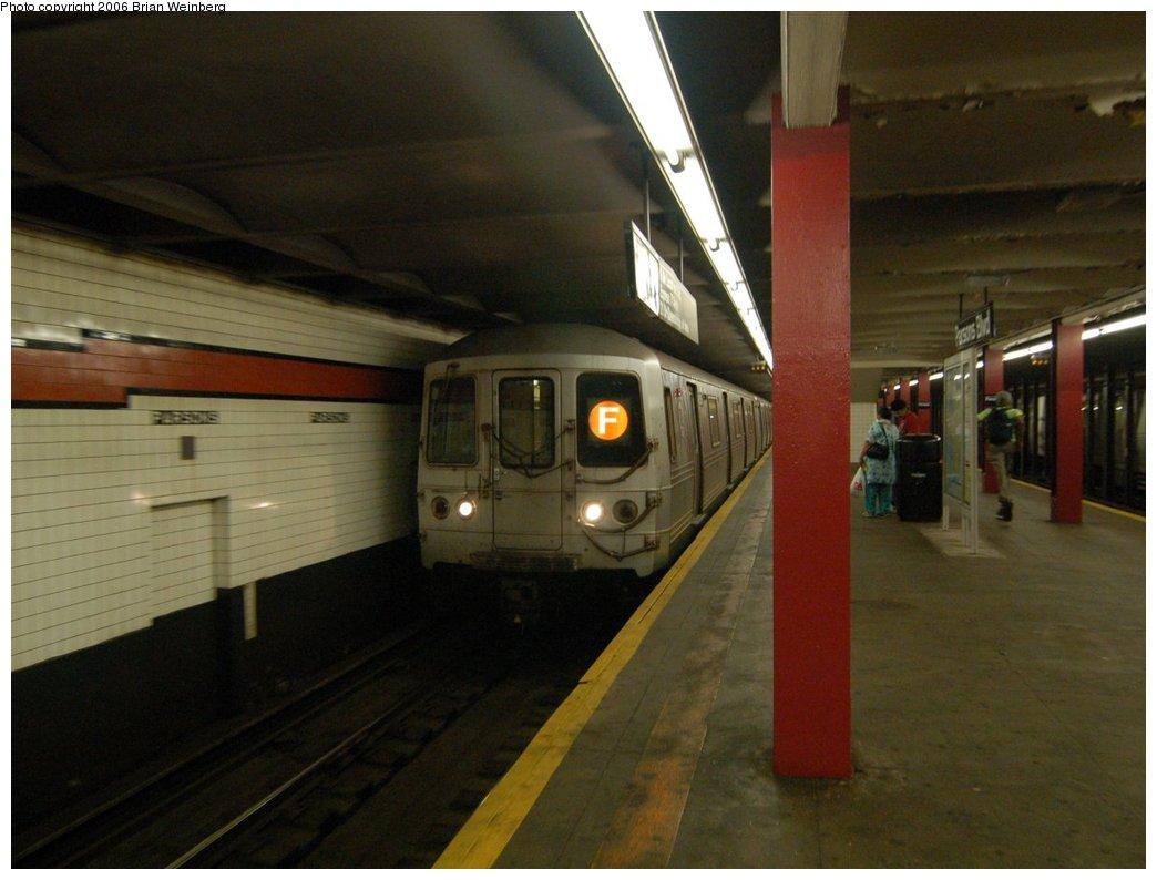 (185k, 1044x794)<br><b>Country:</b> United States<br><b>City:</b> New York<br><b>System:</b> New York City Transit<br><b>Line:</b> IND Queens Boulevard Line<br><b>Location:</b> Parsons Boulevard<br><b>Route:</b> F<br><b>Car:</b> R-46 (Pullman-Standard, 1974-75) 6156 <br><b>Photo by:</b> Brian Weinberg<br><b>Date:</b> 7/16/2006<br><b>Viewed (this week/total):</b> 3 / 4814