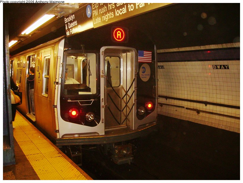 (123k, 820x620)<br><b>Country:</b> United States<br><b>City:</b> New York<br><b>System:</b> New York City Transit<br><b>Line:</b> IND 8th Avenue Line<br><b>Location:</b> Fulton Street (Broadway/Nassau)<br><b>Route:</b> A<br><b>Car:</b> R-160B (Kawasaki, 2005-2008) 8713 <br><b>Photo by:</b> Anthony Maimone<br><b>Date:</b> 9/11/2006<br><b>Notes:</b> First day of revenue service on the A line as part of the 30-day test.<br><b>Viewed (this week/total):</b> 0 / 8258