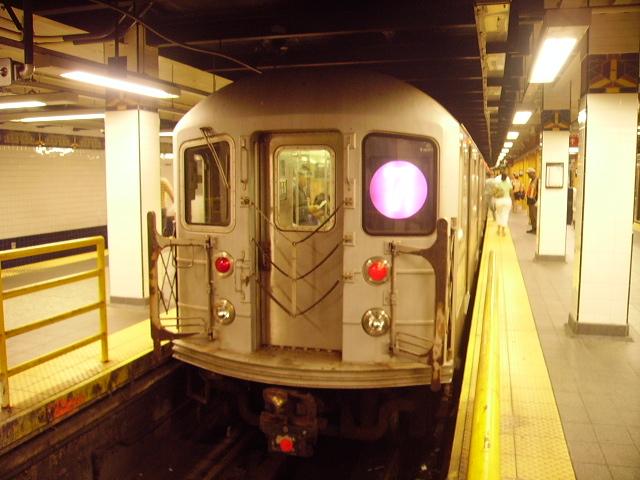 (163k, 640x480)<br><b>Country:</b> United States<br><b>City:</b> New York<br><b>System:</b> New York City Transit<br><b>Line:</b> IRT Flushing Line<br><b>Location:</b> Main Street/Flushing<br><b>Route:</b> 7<br><b>Car:</b> R-62A (Bombardier, 1984-1987)  <br><b>Photo by:</b> John Czarnecky<br><b>Date:</b> 7/2006<br><b>Viewed (this week/total):</b> 1 / 3718