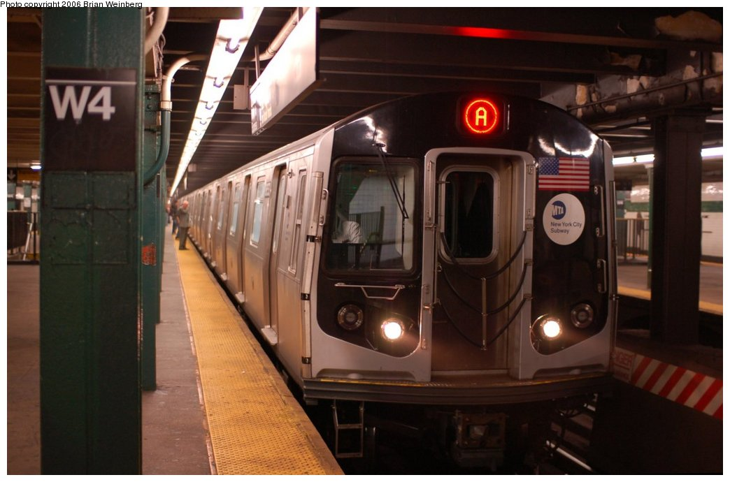 (176k, 1044x690)<br><b>Country:</b> United States<br><b>City:</b> New York<br><b>System:</b> New York City Transit<br><b>Line:</b> IND 8th Avenue Line<br><b>Location:</b> West 4th Street/Washington Square<br><b>Route:</b> A<br><b>Car:</b> R-160A-2 (Alstom, 2005-2008, 5 car sets) 8653 <br><b>Photo by:</b> Brian Weinberg<br><b>Date:</b> 10/16/2006<br><b>Notes:</b> First day of revenue service testing of the R160A.<br><b>Viewed (this week/total):</b> 2 / 6734
