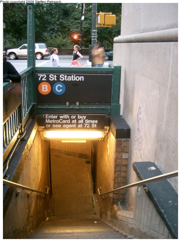 (135k, 615x821)<br><b>Country:</b> United States<br><b>City:</b> New York<br><b>System:</b> New York City Transit<br><b>Line:</b> IND 8th Avenue Line<br><b>Location:</b> 72nd Street<br><b>Photo by:</b> Steffen Petrasch<br><b>Date:</b> 9/20/2006<br><b>Notes:</b> Station entrance.<br><b>Viewed (this week/total):</b> 0 / 3969