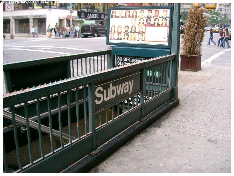 (159k, 820x615)<br><b>Country:</b> United States<br><b>City:</b> New York<br><b>System:</b> New York City Transit<br><b>Line:</b> IRT East Side Line<br><b>Location:</b> 59th Street<br><b>Photo by:</b> Steffen Petrasch<br><b>Date:</b> 9/23/2006<br><b>Notes:</b> Station entrance.<br><b>Viewed (this week/total):</b> 2 / 3469