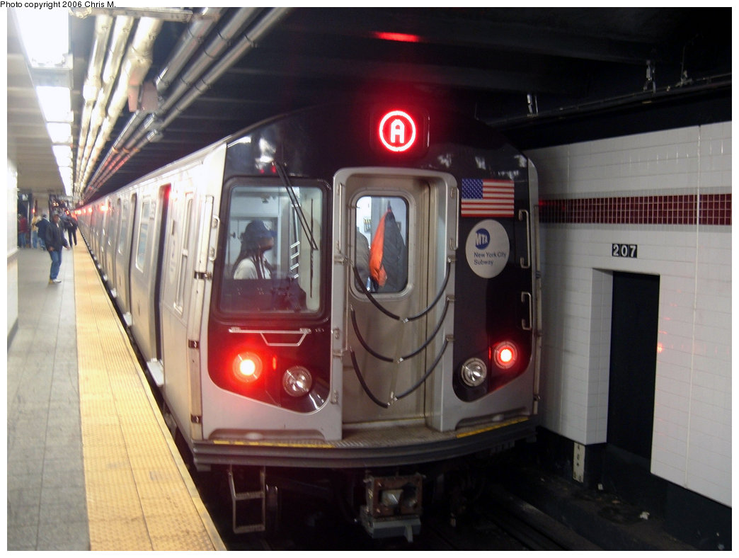 (173k, 1044x788)<br><b>Country:</b> United States<br><b>City:</b> New York<br><b>System:</b> New York City Transit<br><b>Line:</b> IND 8th Avenue Line<br><b>Location:</b> 207th Street<br><b>Route:</b> A<br><b>Car:</b> R-160A-2 (Alstom, 2005-2008, 5 car sets) 8653 <br><b>Photo by:</b> Chris M.<br><b>Date:</b> 10/21/2006<br><b>Viewed (this week/total):</b> 2 / 5612