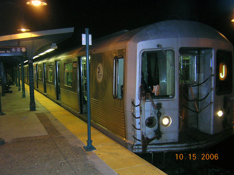 (103k, 800x600)<br><b>Country:</b> United States<br><b>City:</b> New York<br><b>System:</b> New York City Transit<br><b>Line:</b> BMT Nassau Street-Jamaica Line<br><b>Location:</b> Broadway/East New York (Broadway Junction)<br><b>Route:</b> J<br><b>Car:</b> R-42 (St. Louis, 1969-1970) 4860 <br><b>Photo by:</b> Robert Mencher<br><b>Date:</b> 10/15/2006<br><b>Viewed (this week/total):</b> 2 / 2324