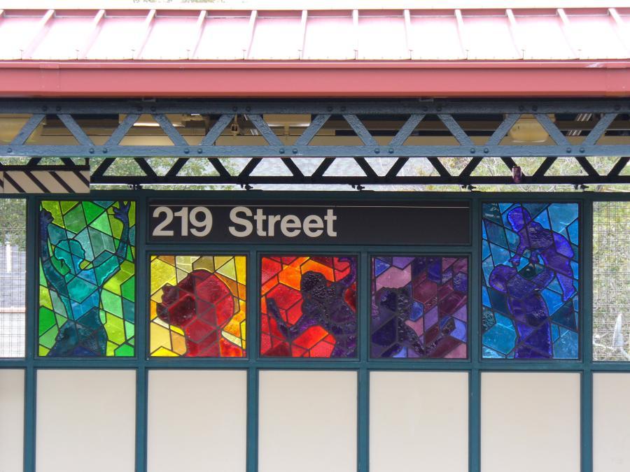 (118k, 900x675)<br><b>Country:</b> United States<br><b>City:</b> New York<br><b>System:</b> New York City Transit<br><b>Line:</b> IRT White Plains Road Line<br><b>Location:</b> 219th Street<br><b>Photo by:</b> Robbie Rosenfeld<br><b>Date:</b> 10/27/2006<br><b>Artwork:</b> <i>Homage</i>, Joseph D'Alesandro, 2006<br><b>Viewed (this week/total):</b> 2 / 2852