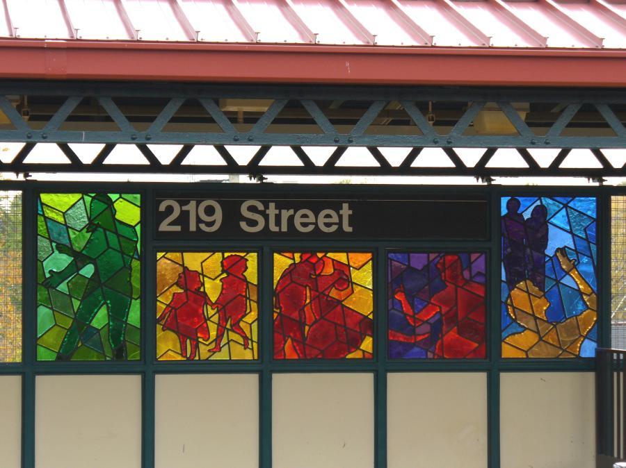 (112k, 900x674)<br><b>Country:</b> United States<br><b>City:</b> New York<br><b>System:</b> New York City Transit<br><b>Line:</b> IRT White Plains Road Line<br><b>Location:</b> 219th Street<br><b>Photo by:</b> Robbie Rosenfeld<br><b>Date:</b> 10/27/2006<br><b>Artwork:</b> <i>Homage</i>, Joseph D'Alesandro, 2006<br><b>Viewed (this week/total):</b> 1 / 2833