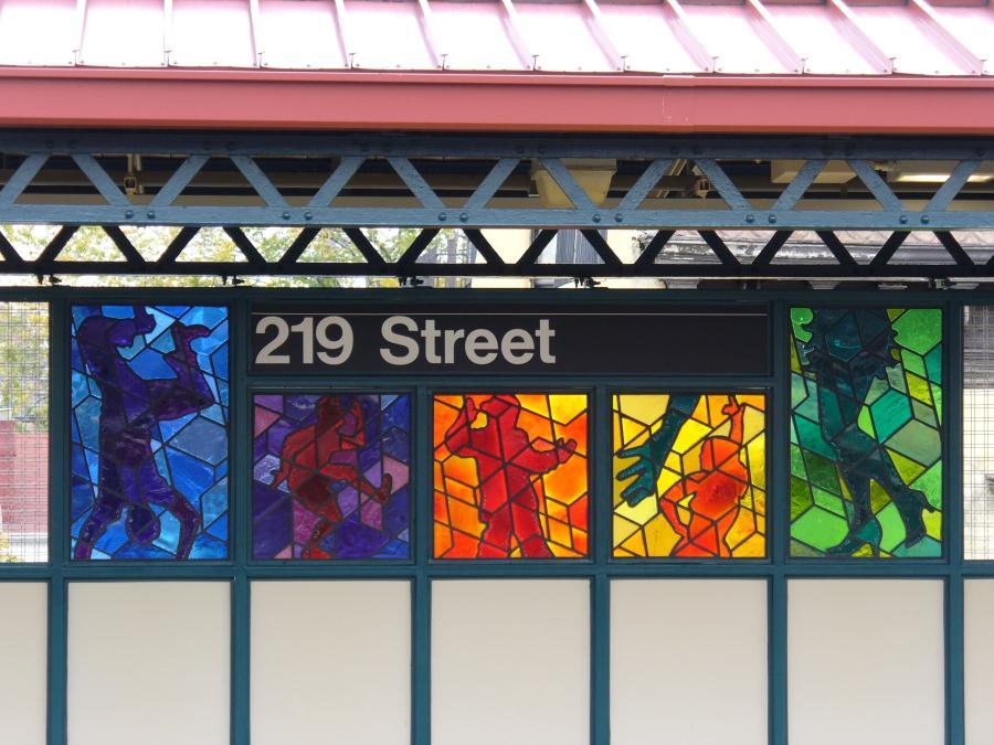 (117k, 900x675)<br><b>Country:</b> United States<br><b>City:</b> New York<br><b>System:</b> New York City Transit<br><b>Line:</b> IRT White Plains Road Line<br><b>Location:</b> 219th Street<br><b>Photo by:</b> Robbie Rosenfeld<br><b>Date:</b> 10/27/2006<br><b>Artwork:</b> <i>Homage</i>, Joseph D'Alesandro, 2006<br><b>Viewed (this week/total):</b> 4 / 2829